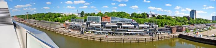 De haven/de havenpanorama van Hamburg, Duitsland Royalty-vrije Stock Foto's