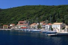 De haven in Fiskardo op het Griekse Eiland Kef Royalty-vrije Stock Afbeeldingen
