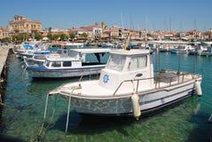 De haven van de Aeginastad op Aegina-eiland Stock Fotografie