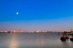 de haven van de nachtscène Stock Foto