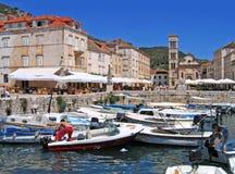 De haven van de Stad van Hvar, Kroatië Stock Afbeeldingen