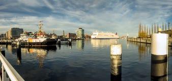 De haven van Ernst Busch platz Kiel, Duitsland stock foto