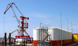De haven van het olieproject op eiland Sakhalin. royalty-vrije stock foto