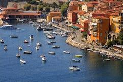 De haven van het Villefranche-sur-Mer, Kooi D'Azur, Zuiden o Stock Afbeeldingen
