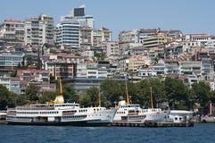 De haven van Istanboel, Turkije Kabatas Royalty-vrije Stock Afbeeldingen