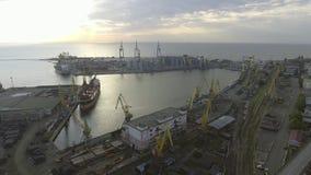 De haven van Odessa Stedelijke luchtmening ukraine stock footage