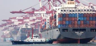 De haven van Qingdao Stock Afbeeldingen
