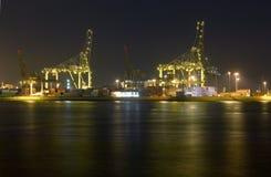 De Haven van Rotterdam bij Nacht Royalty-vrije Stock Afbeelding