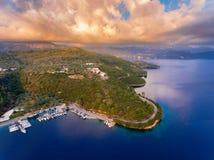 De haven van de Spartochorihaven in Meganisi-Eiland dichtbij Lefkada Griekenland stock foto