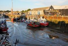 De Haven van Whitstable & Vissersboten, Kent, Engeland Stock Foto's