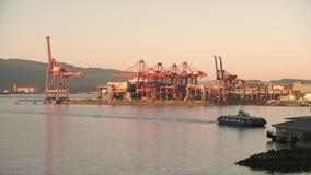 De havenkranen en veerboot 4K UHD van Vancouver