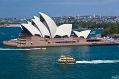 De havenveerboot die van Sydney CirkelKade verlaat Stock Foto