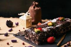 De heerlijke cake van de Kerstmischocolade Stock Foto's