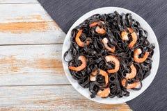 De heerlijke deegwaren van de Inktvisseninkt met garnalen, hoogste mening Royalty-vrije Stock Foto