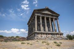 De heidense tempel en de ruïnes van de vesting in het dorp van Royalty-vrije Stock Fotografie