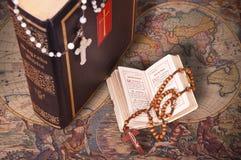De heilige Bijbel royalty-vrije stock afbeeldingen
