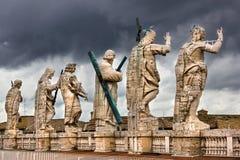 De heiligenstandbeelden van Vatikaan Royalty-vrije Stock Afbeeldingen