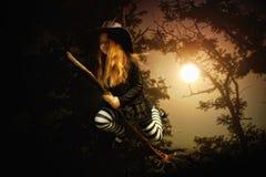 De heks van het meisje stock foto's