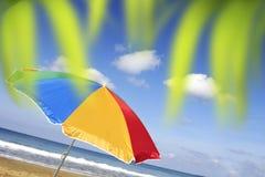 De heldere Parasol van het Strand Stock Afbeelding