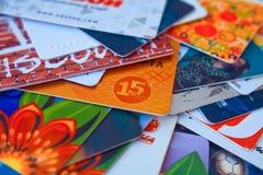 De heldere plastic close-up van kortingskaarten Stock Foto