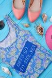 De heldere vrouwelijke punten van het de zomerstrand Royalty-vrije Stock Afbeeldingen