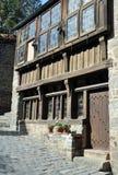 De helft-betimmerde bouw in Rue du Petit Port, in Dinan Royalty-vrije Stock Foto