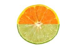 De helft van sinaasappel en kalk Stock Foto's