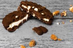 De helften van het chocoladebaksel Stock Foto