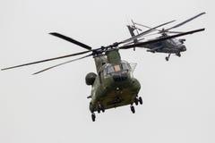 De helikopter van Chinook Apache Royalty-vrije Stock Foto's