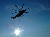 De helikopter van de silhouetlading Royalty-vrije Stock Foto's