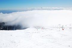 De helling in de skitoevlucht van Strbske Pleso Stock Foto's