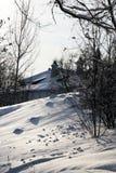 De helling van de sneeuw dichtbij klooster savvino-Storozhevsky Royalty-vrije Stock Foto's