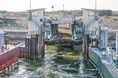 De helling van de veerbootingang stock fotografie