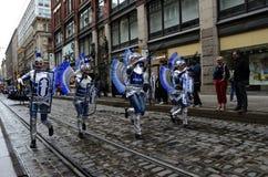 € de Helsinki, Finlande «le 6 juin 2015 : Voiture traditionnelle de samba d'été Images libres de droits