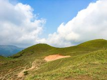 De hemel en de heuvel Stock Afbeeldingen