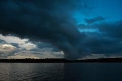 De hemel vóór een onweer. Royalty-vrije Stock Afbeeldingen