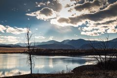 De hemel van middagrocky mountain royalty-vrije stock foto's