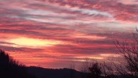 De hemel van tijdoverlappingen bij vroege ochtend stock footage