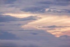 De hemelwolken zijn natuurlijke clusters royalty-vrije stock foto's