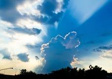 De hemelzonsondergang Stock Afbeeldingen