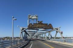 De Herdenkingsbrug over de Piscataqua-Rivier, in Portsmouth, w stock afbeelding