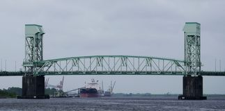 De Herdenkingsbrug van de kaapvrees in Wilmington, NC royalty-vrije stock fotografie