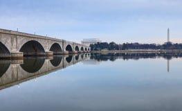 De Herdenkingsbrug van Washington DCoriëntatiepunten Stock Foto's