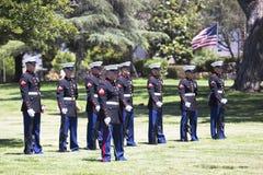 De herdenkingsdienst voor de gevallen Militair van de V.S., PFC Zach Suarez, Eeropdracht op Weg 23, aandrijving aan de Herdenking Stock Foto