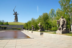 De Herdenkingsobelisk van de Wereldoorlog II op Mamayev Kurgan Stock Foto's