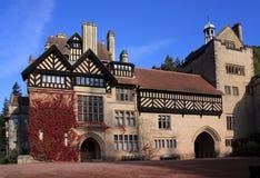 De herfst bij Huis Cragside Royalty-vrije Stock Afbeeldingen