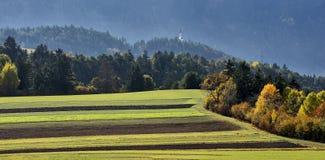 De herfst in de alpen, Oostenrijk rond het dorp Sillian - panorama Royalty-vrije Stock Afbeeldingen