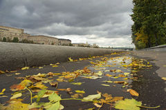 De herfst in de stad Stock Foto's