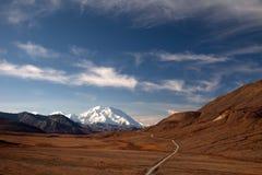 De herfst in Denali & weg om McKinley op te zetten Stock Foto