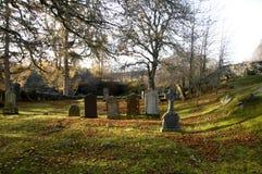 De herfst in een kerkhof royalty-vrije stock afbeelding